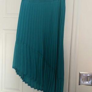 Teal, pleated skirt